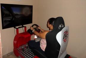 La Autoescuela González de Honduras imparte clases con el simulador de turismo DRIVE SEAT
