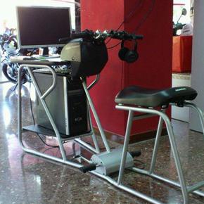 'Todos a Rodar' continúa su 'tour' con el simulador de moto Honda Riding Trainer