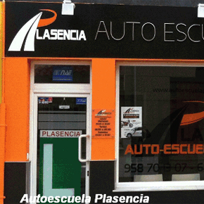 La autoescuela Plasencia organiza un curso de seguridad vial con DRIVE SEAT 500ST y las gafas de simulación de alcohol