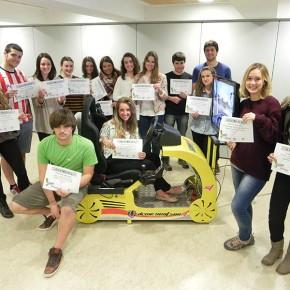 Jóvenes de Getxo sacan el carné de conducir en euskera