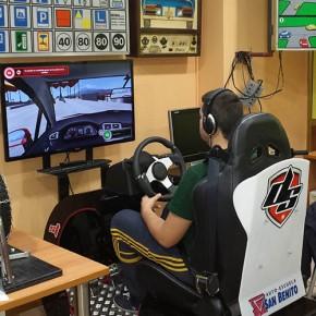 Simulador de conducción de última generación en la autoescuela San Benito de Valladolid
