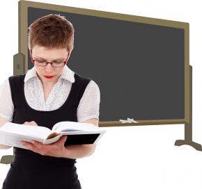 Profesor de autoescuela Curso XVIII: relación provisional aspirantes exentos, admitidos y excluidos