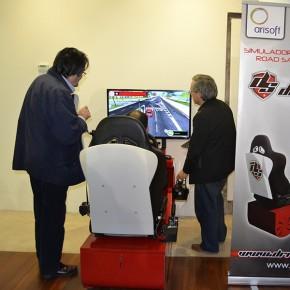 """Gran éxito del simulador de conducción en la jornada """"La Formación Profesional para el Empleo"""""""
